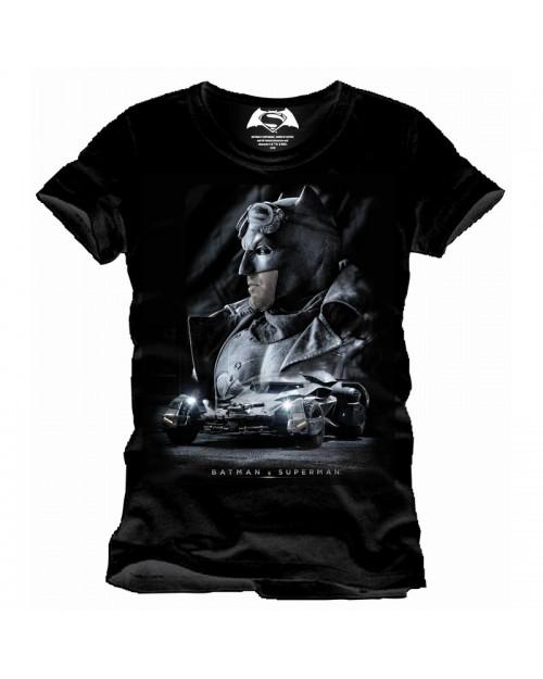 BATMAN V SUPERMAN: BATMAN BATMOBILE BLACK T-SHIRT