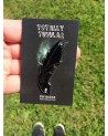 ALIEN (XENOMORPH) HEAD - LOOKING DOWN AT YOU.. ENAMEL METAL PIN BADGE