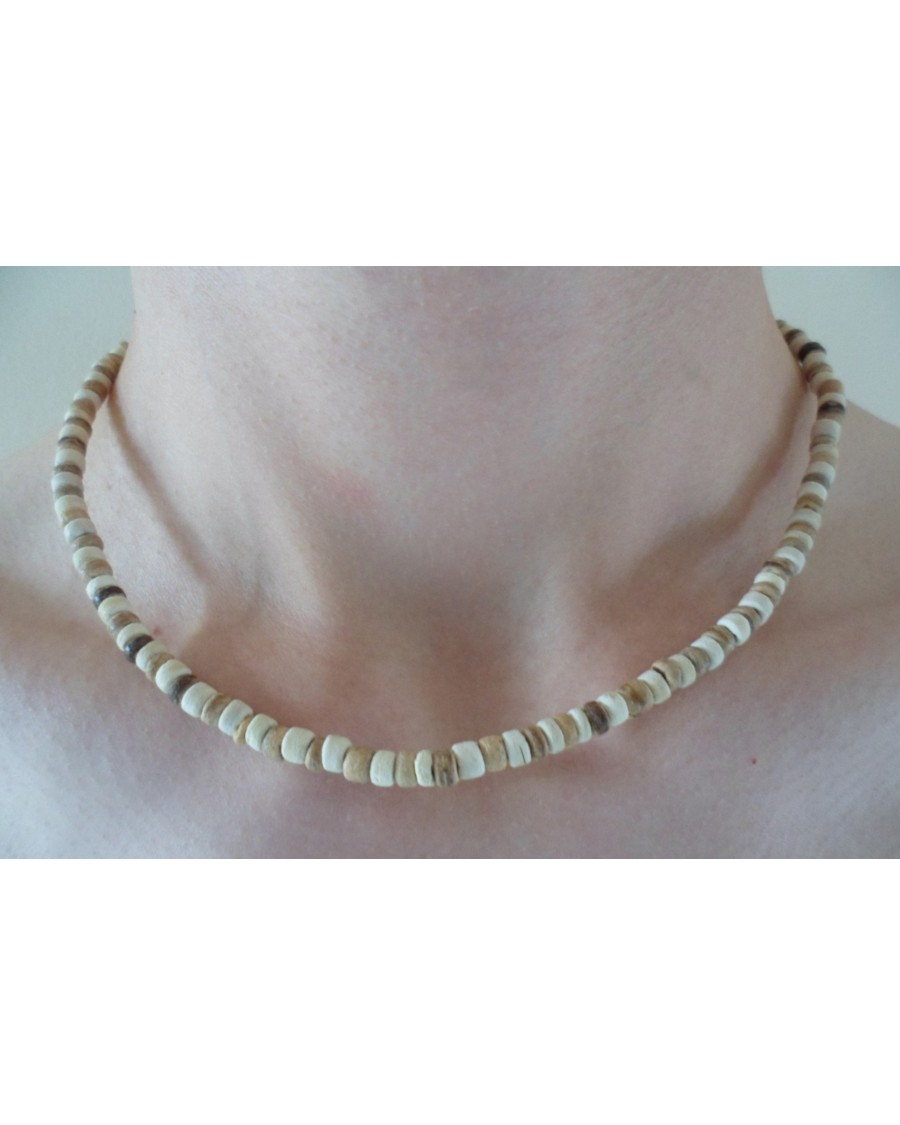 4-5mm COCO PUKALET TIGER & WHITE NECKLACE