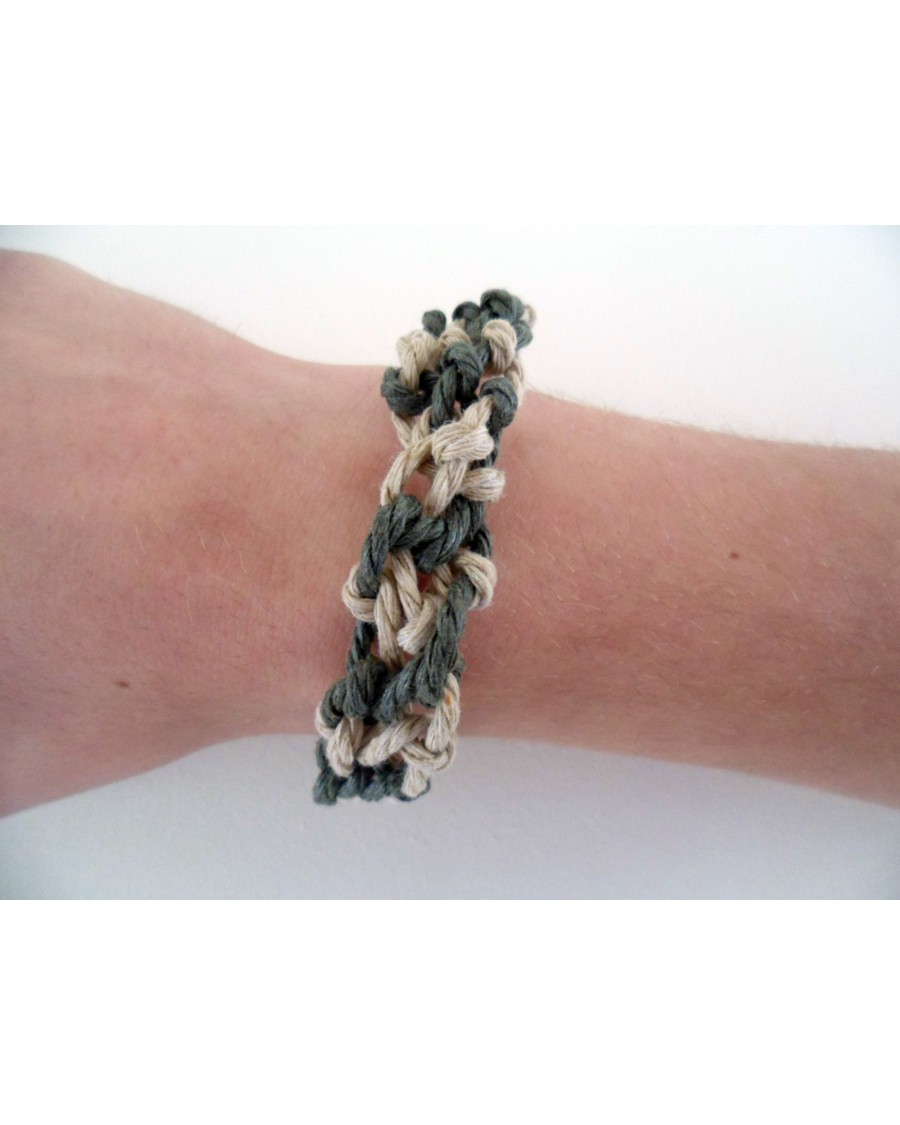 TWISTED WAX CORD MACRAME ARMY GREEN & NATURAL COMBINATION ADJUSTABLE BRACELET