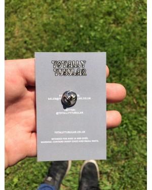 TOTALLY TUBULAR PSONE MEMORY CARD ENAMEL METAL PIN BADGE